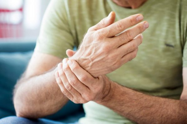 Carpel tunnel syndrome causes pain and numbness in the wrist, fingers and thumbs.