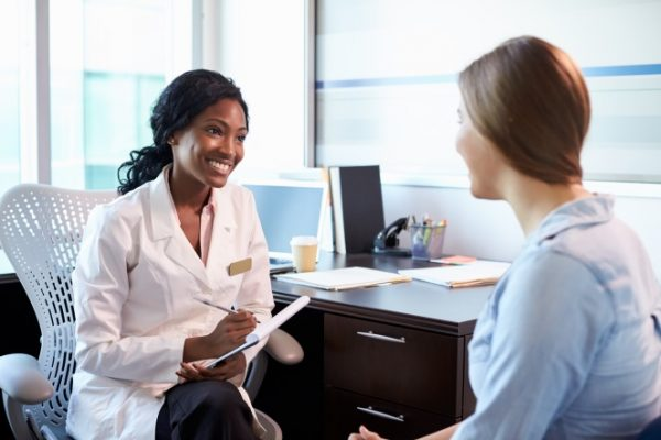 A hysterectomy is performed as open surgery or laparoscopically, which is discussed with the patient at a consultation.