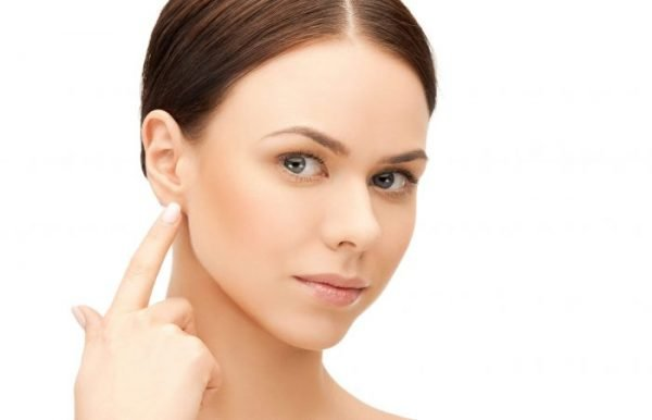 Patients with prominent ears choose to have an otoplasty to correct the shape and size of the ears.
