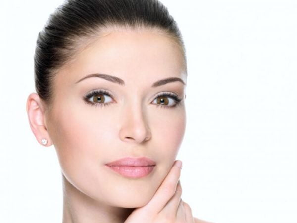 Many patients choose a thread lift to reduce wrinkles and rejuvenate the face as it is less invasive than a facelift.